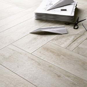 Treverkmade Light wood effect porcelain tile 7x28cm